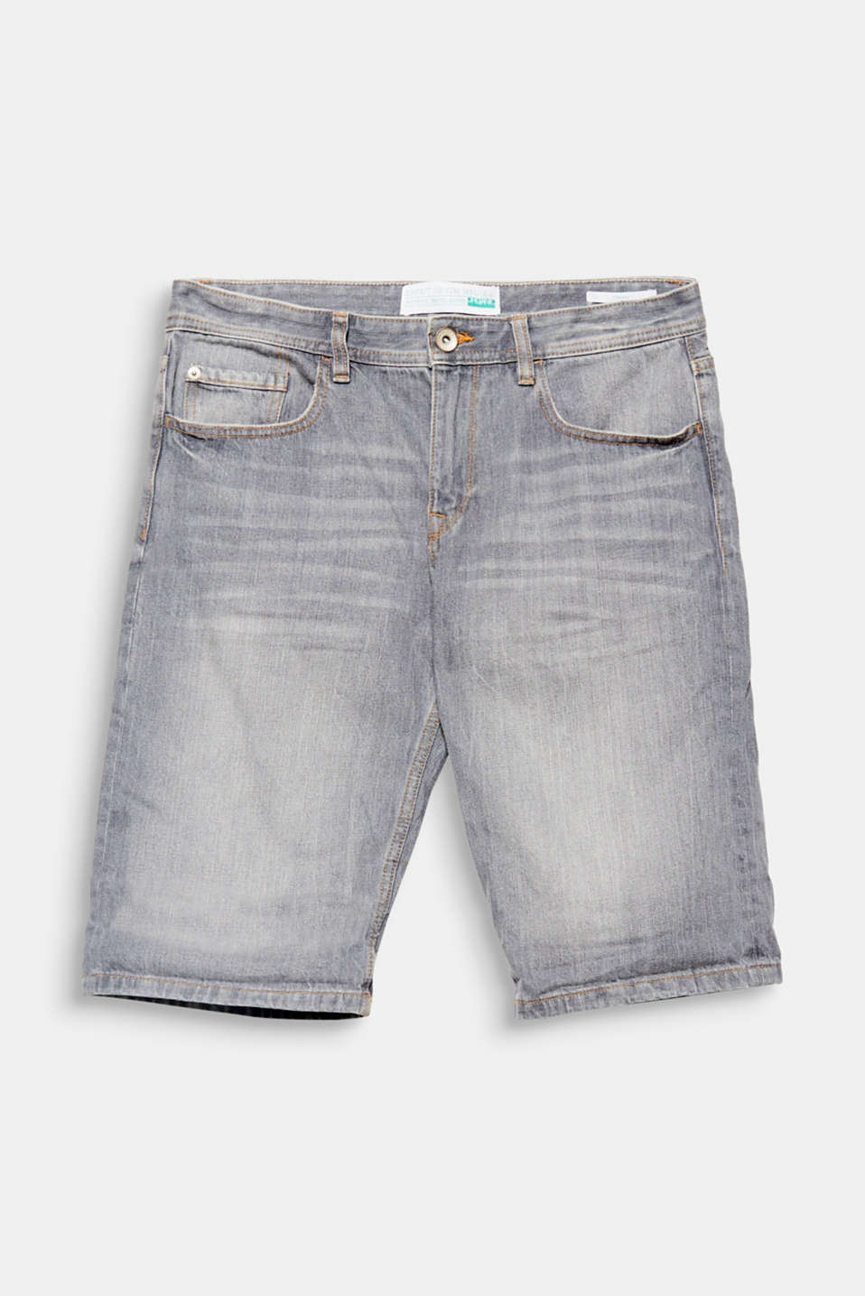 Denim in the summer! The cotton/linen blend with high-quality organic cotton makes these denim shorts stylish favourites.