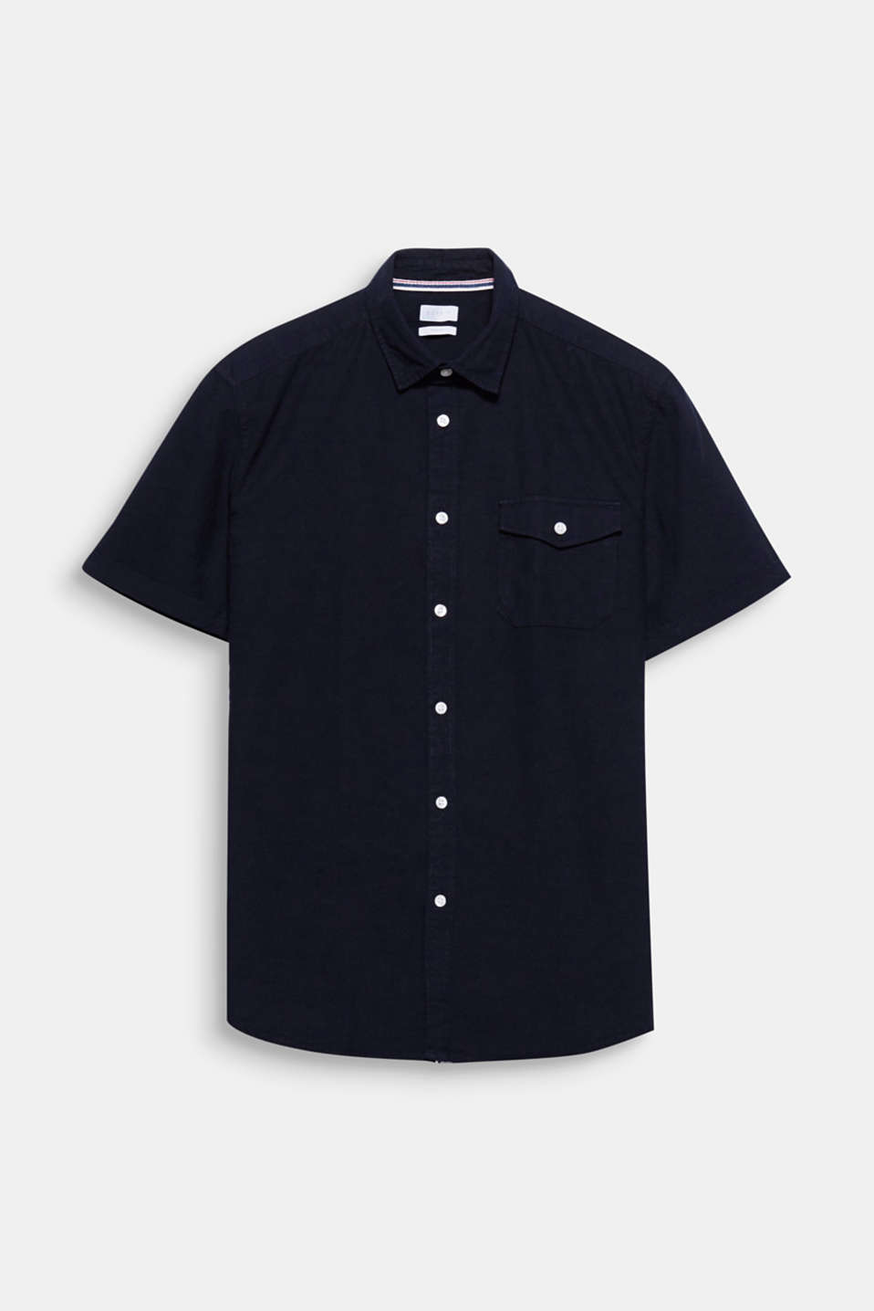 The different on-trend colours and relaxed cut give this short sleeve shirt its stylish, summery look.