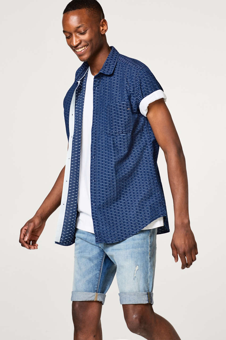 Esprit - Textured short sleeve shirt in pure cotton