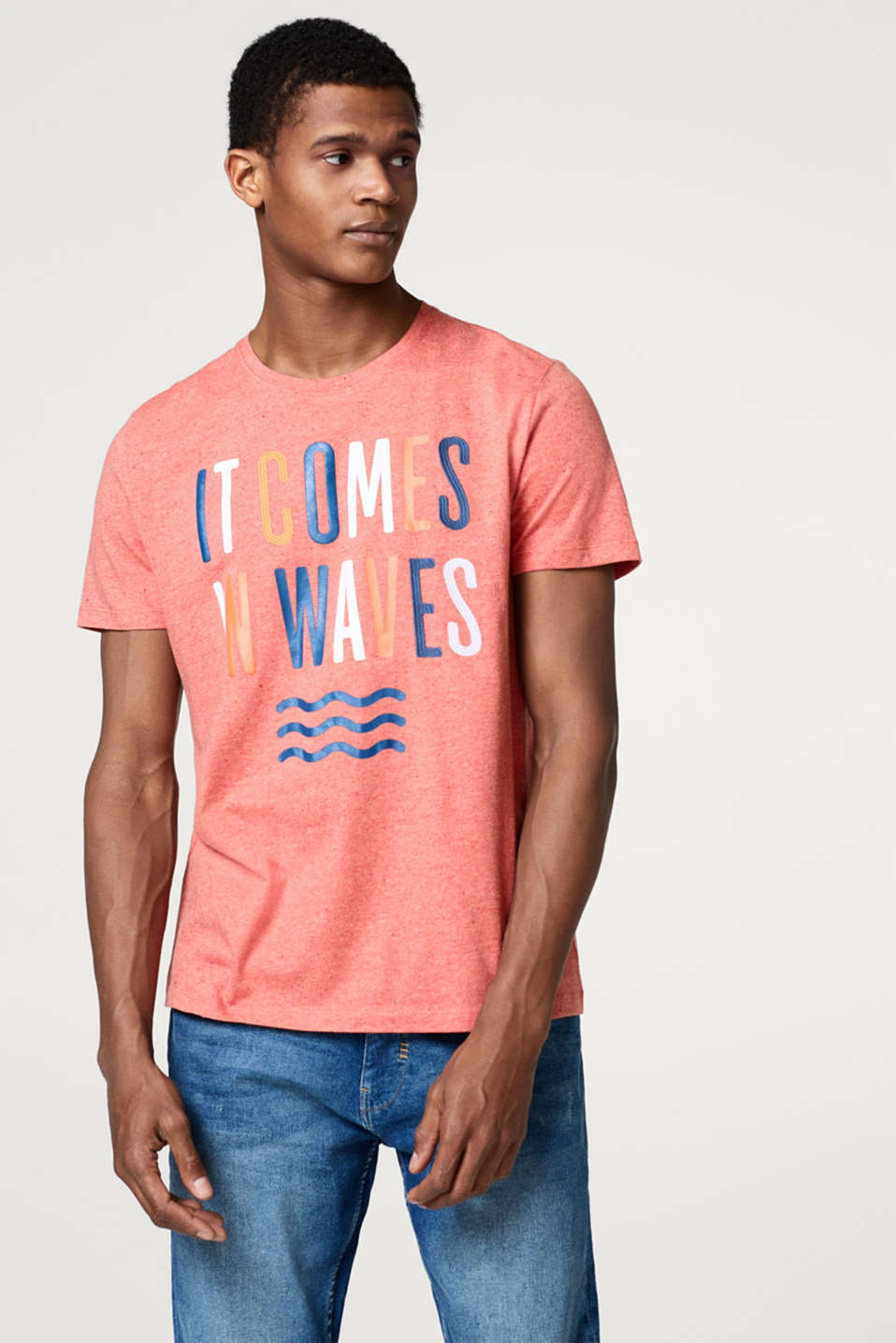 Esprit - Jersey T-shirt with a statement and a colourful nubbed look