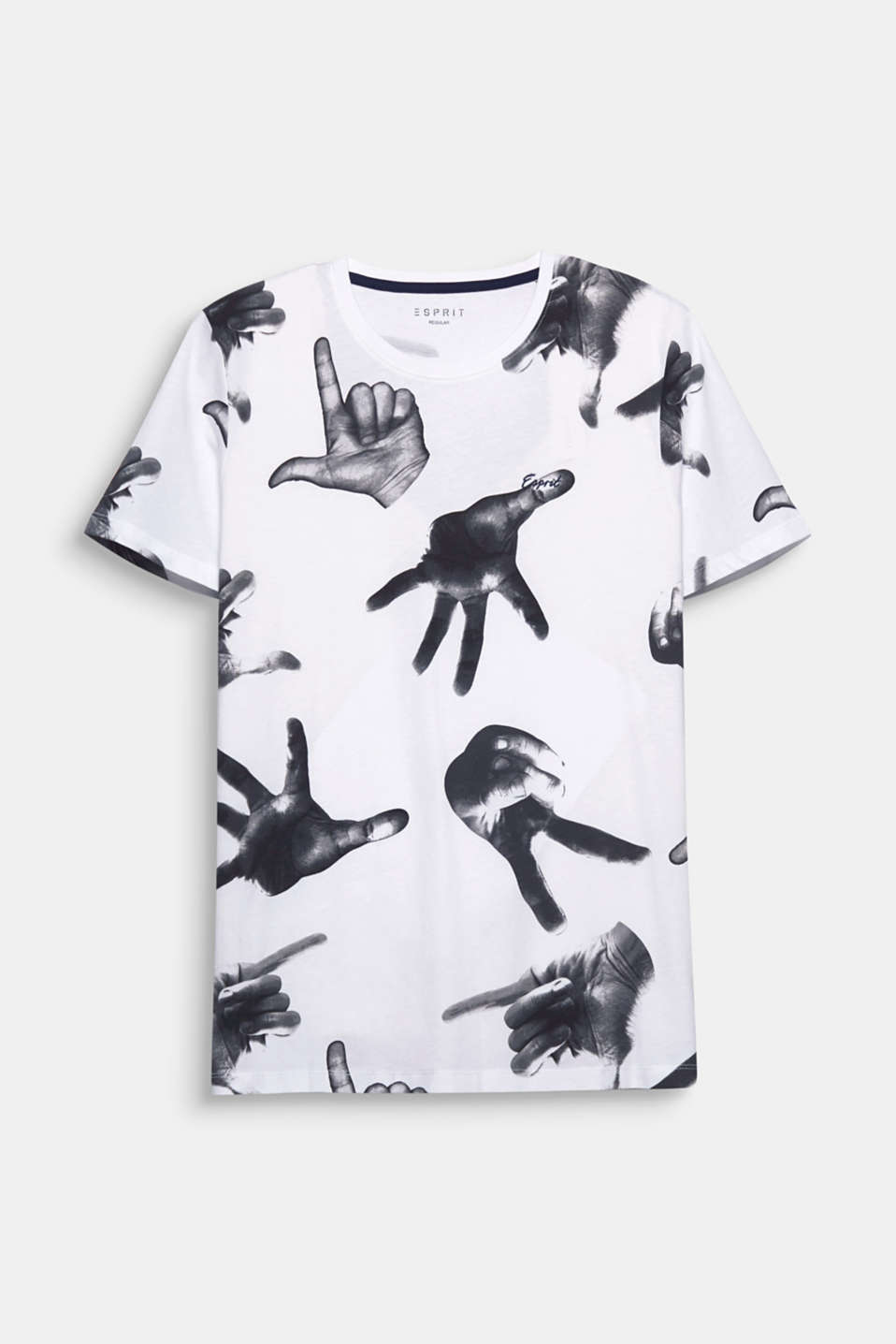 Hands up! The black and white photo print makes this t-shirt a cool head-turner.