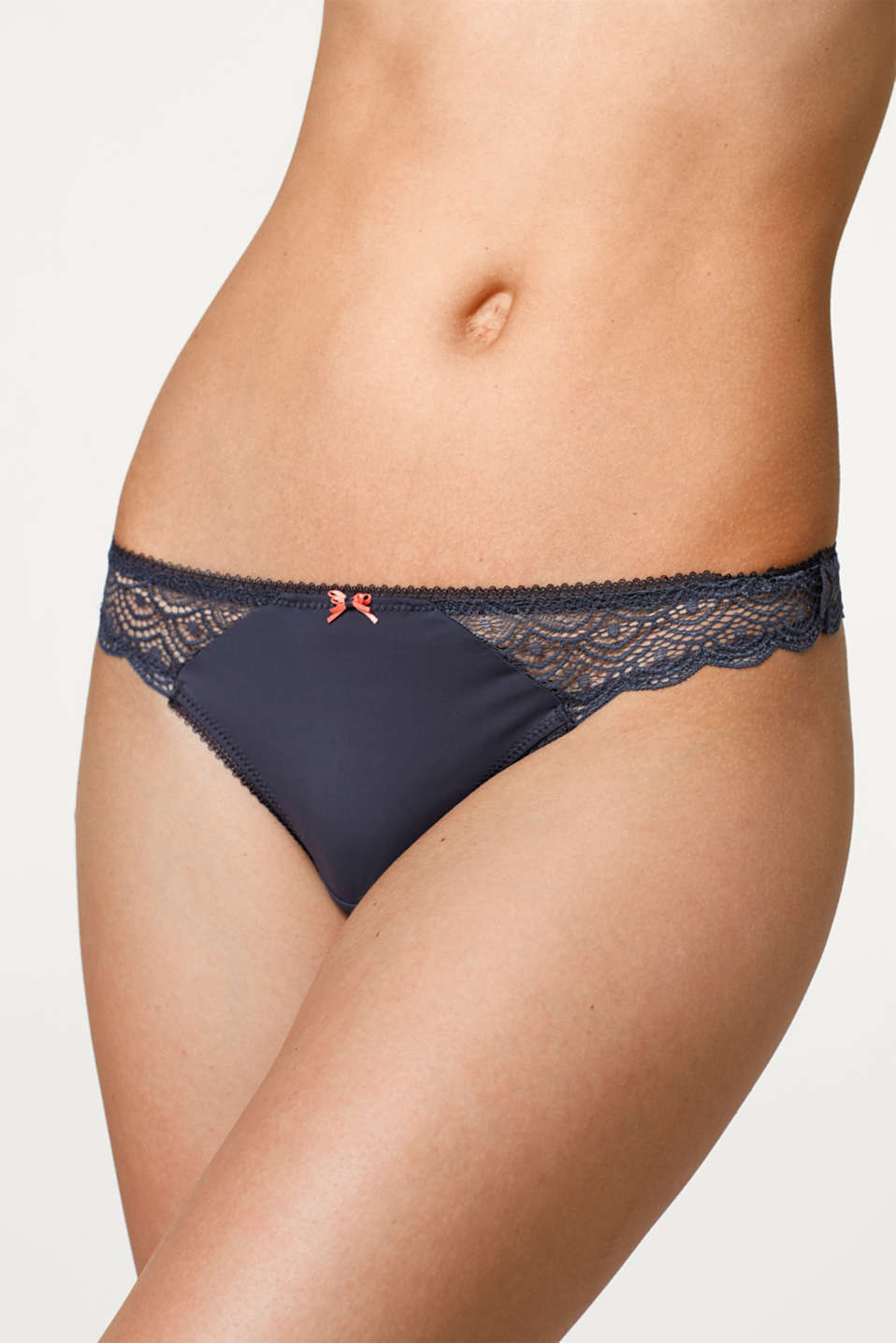 Brazilian hipster thong with lace