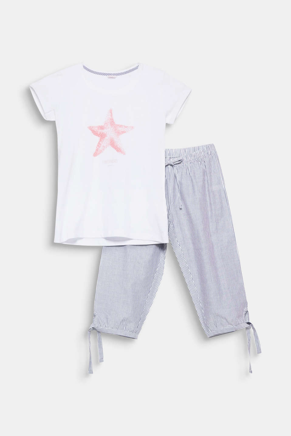Velvety nautical look: The starfish print on the top and the woven capris with fine stripes give these airy, lightweight cotton pyjamas their summery flair!