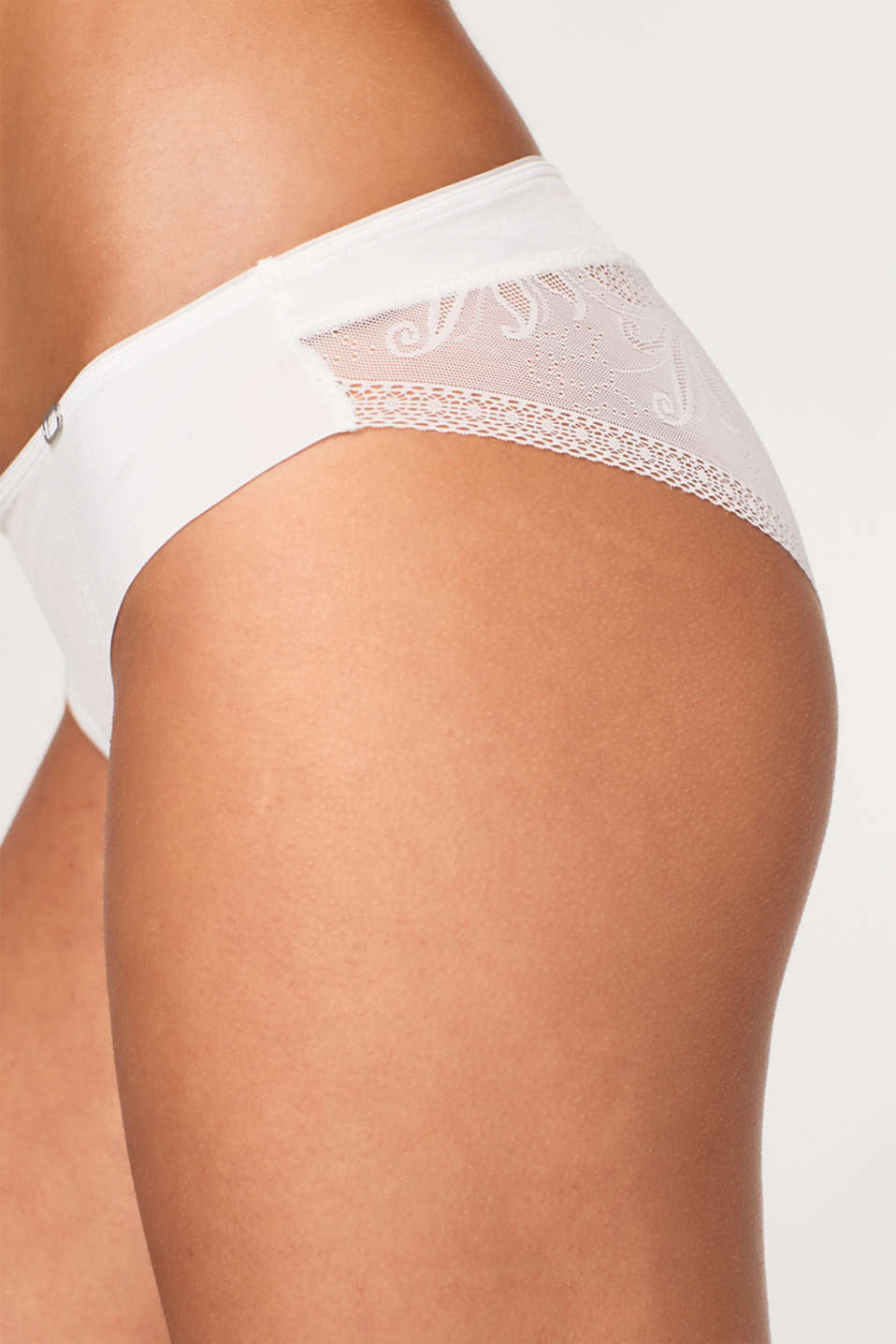 Hipster briefs with filigree lace