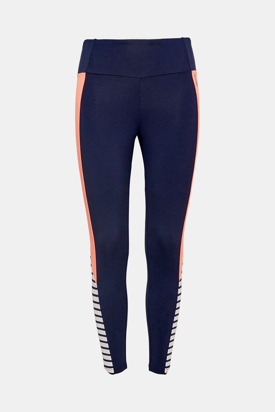 These active leggings in an airy capri length with neon colour blocking and positioned stripes are perfect for wearing throughout spring!