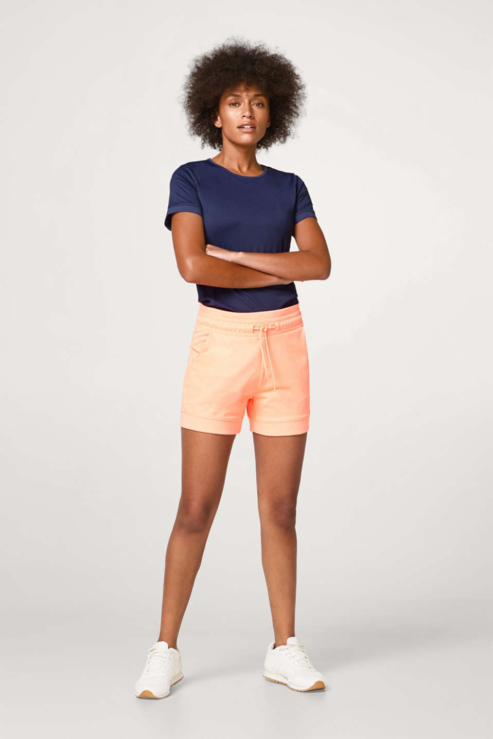 Esprit - Sweatshirt shorts with a ribbed waistband