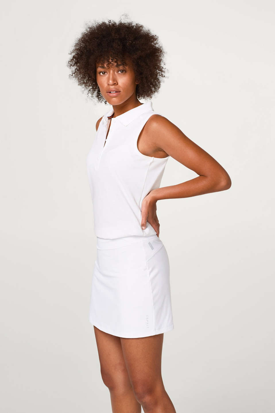 Esprit - Tennis skirt with integrated shorts, E-DRY