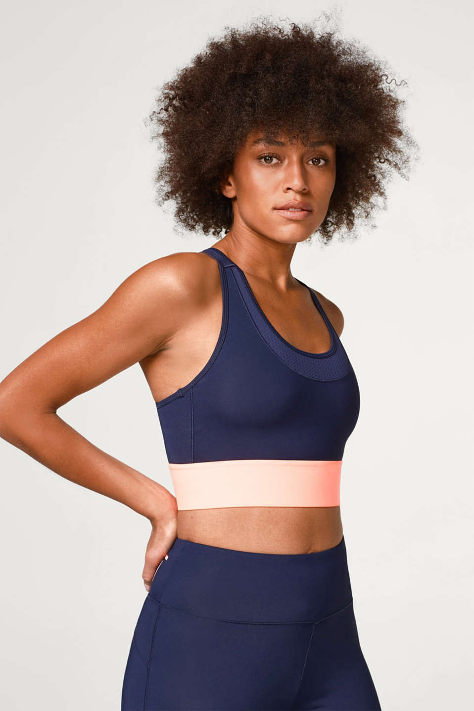 Esprit - Active crop top with neon details, E-DRY