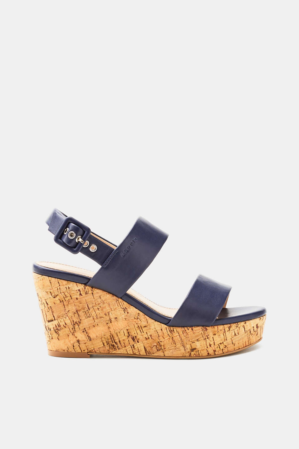 A classic shoe for your summer look: cork-effect wedge sandals