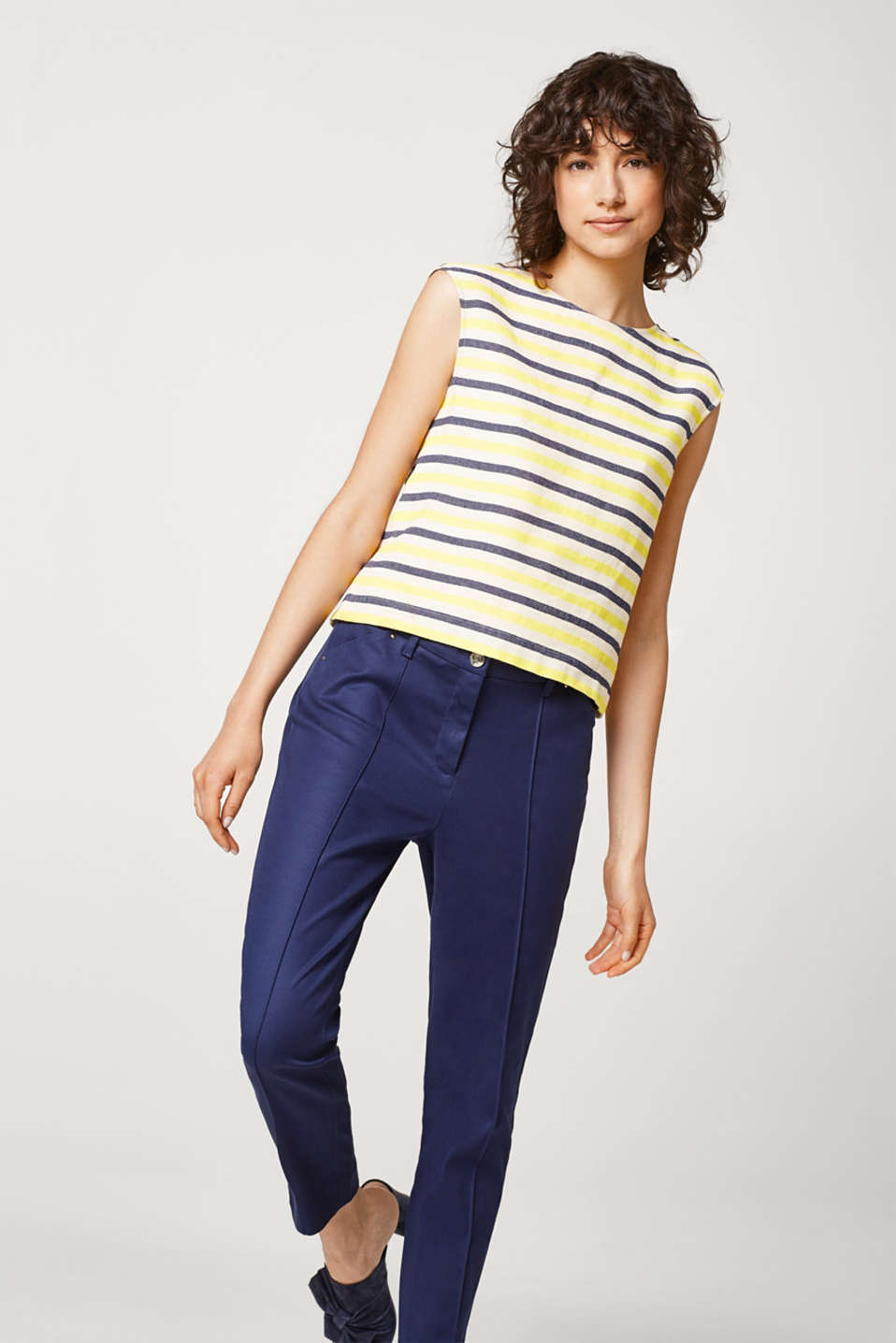 Esprit - Cropped stretch cotton trousers