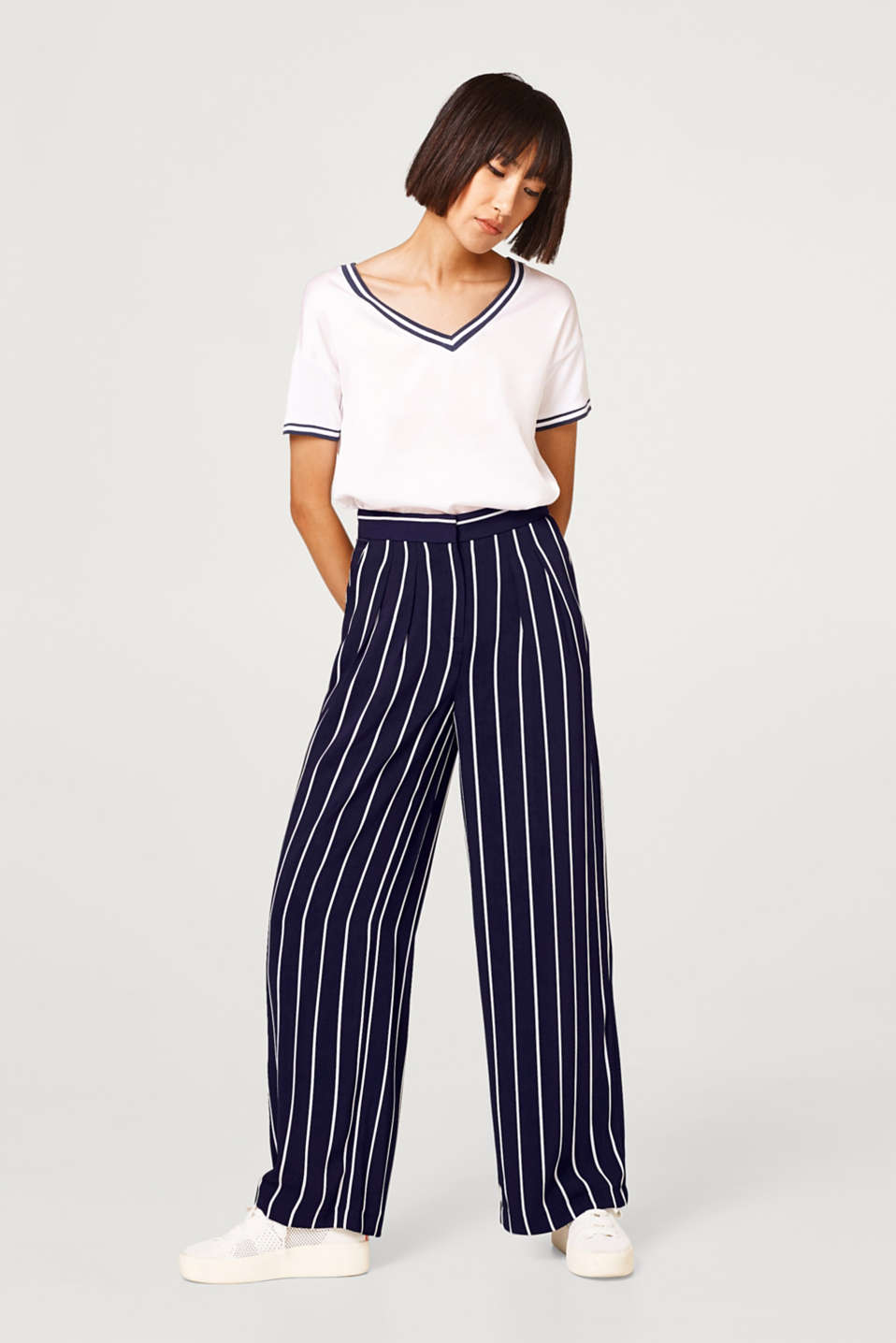 Esprit - Flowing striped trousers with extra wide legs