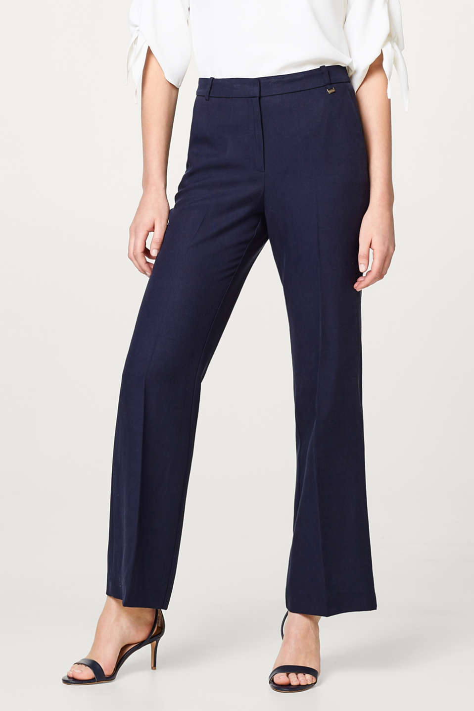 Esprit - Modern bootcut trousers in textured lyocell
