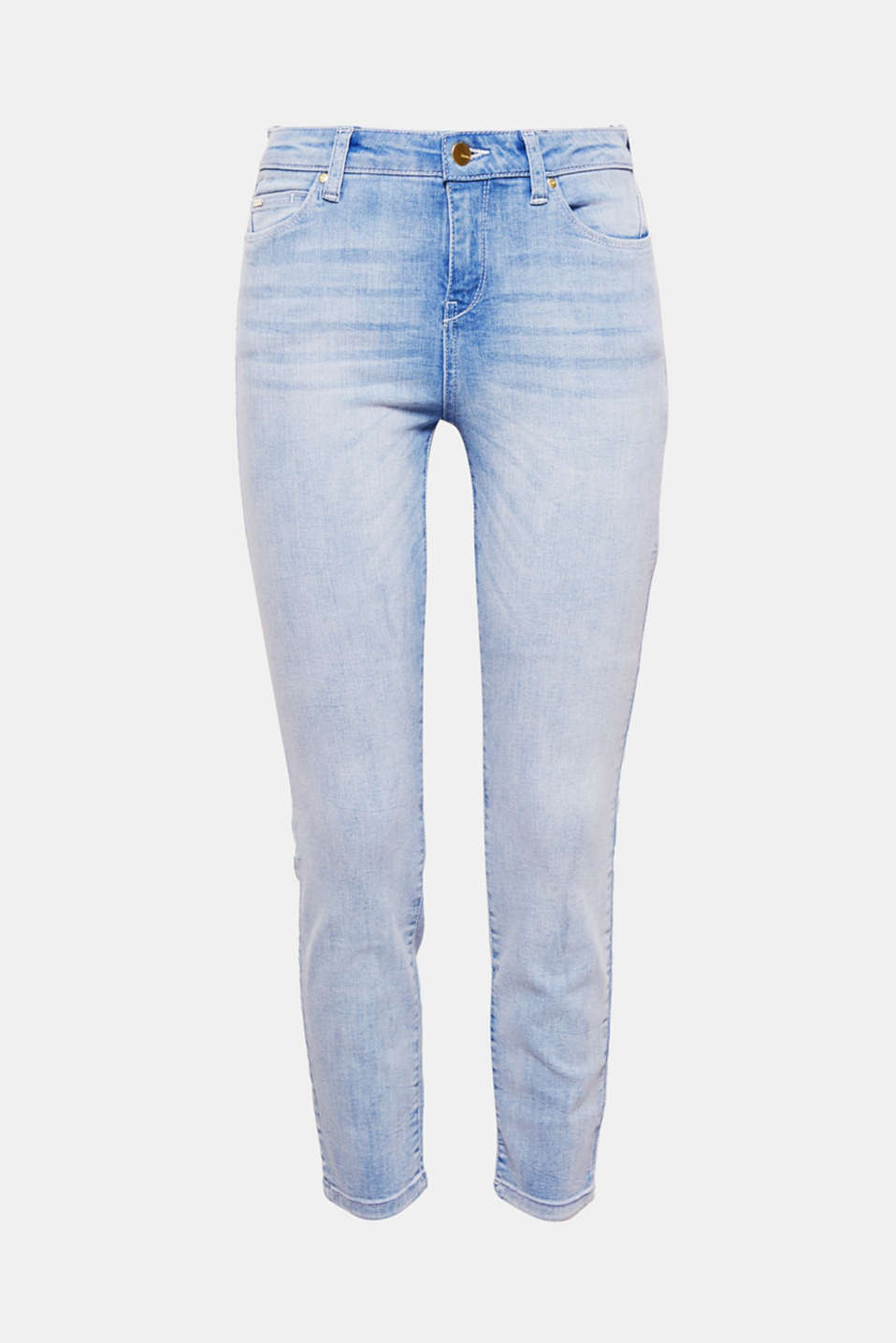 The cropped length and pale, bleached denim give these stretch jeans their summery flair!