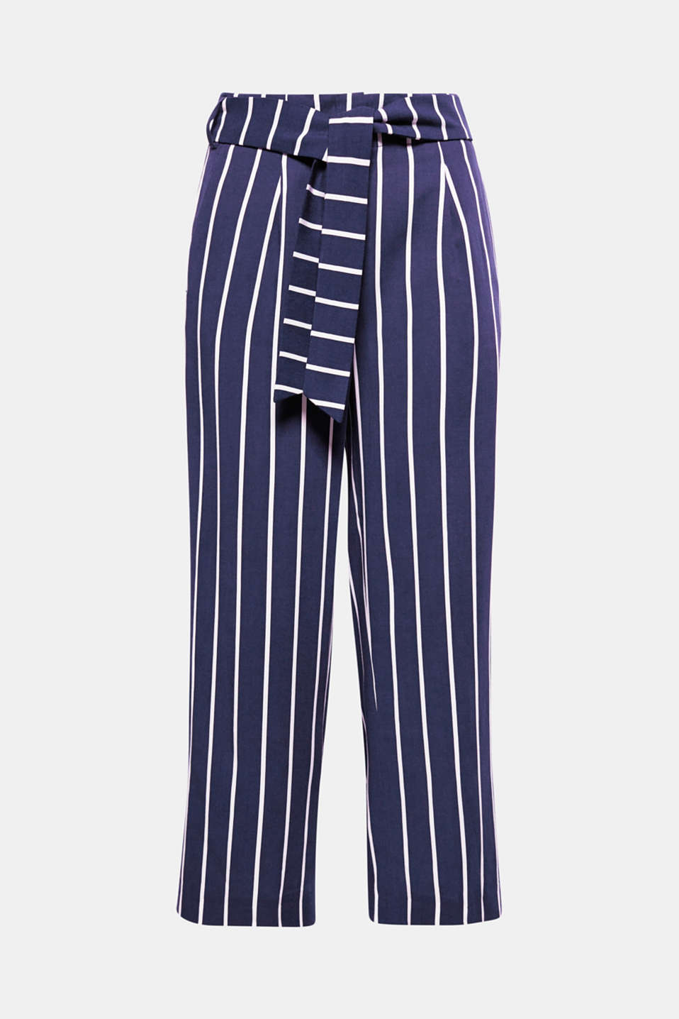 Airy, lightweight spring piece: The flowing fabric and wide cut make these distinctive striped culottes so very comfortable!