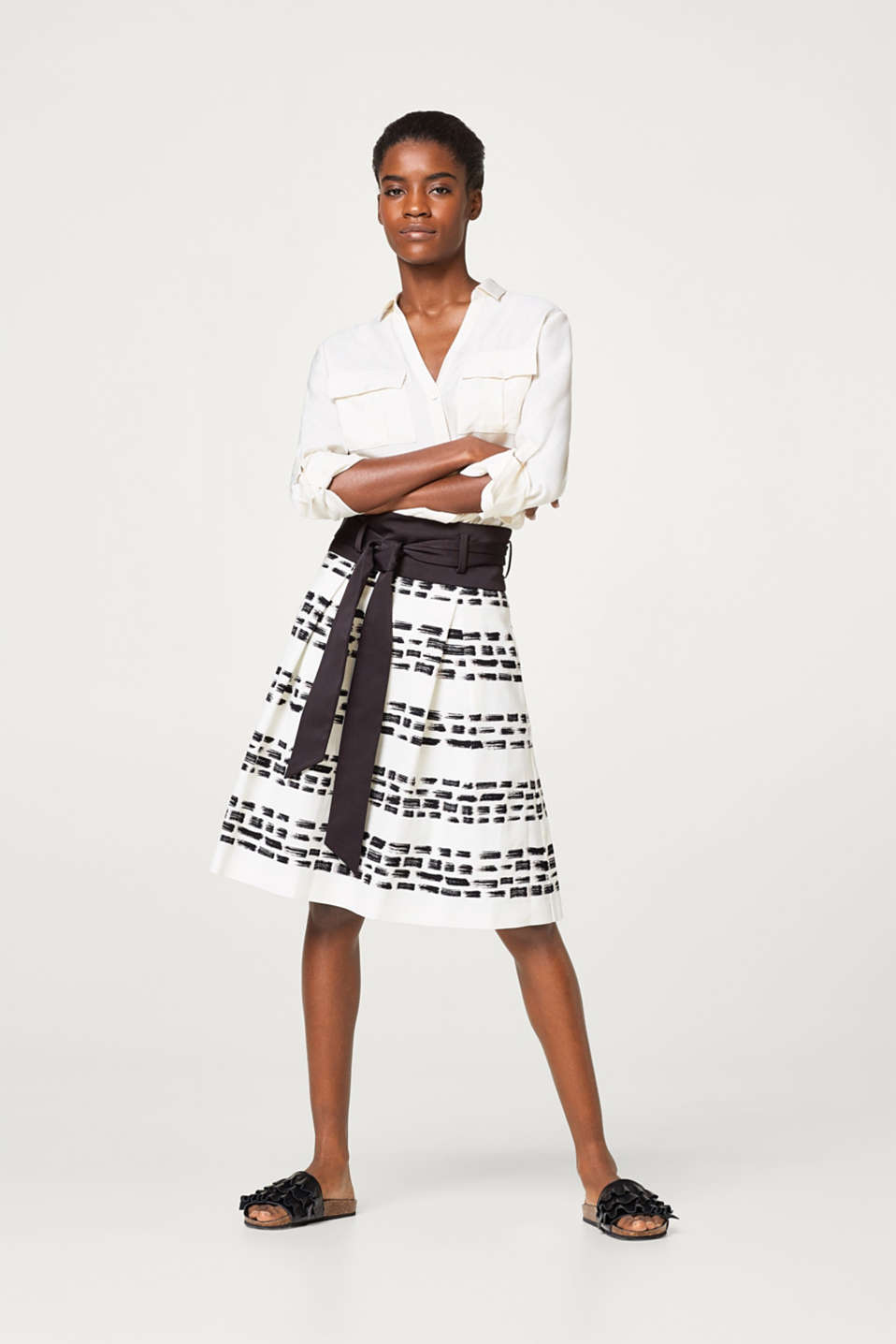 Textured skirt with a print and grosgrain waistband