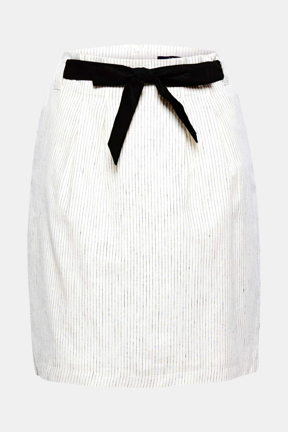 You will love this perfect summer skirt with its cool linen mix, fine stripes and fashionable paperbag waistband with a plain tie-around belt!