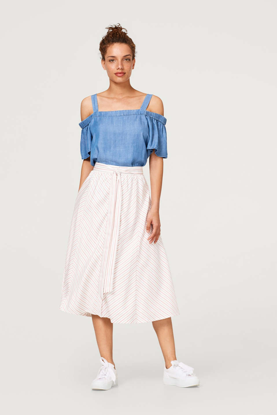 Midi skirt with button placket