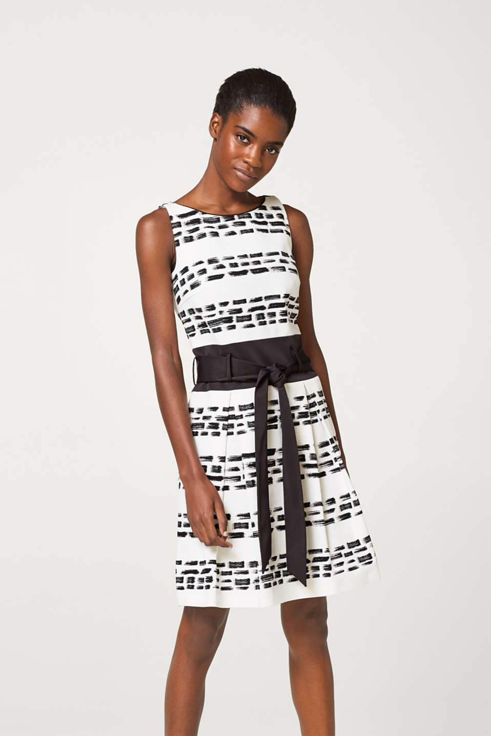 Esprit - Textured dress with a corded ribbon waistband and belt