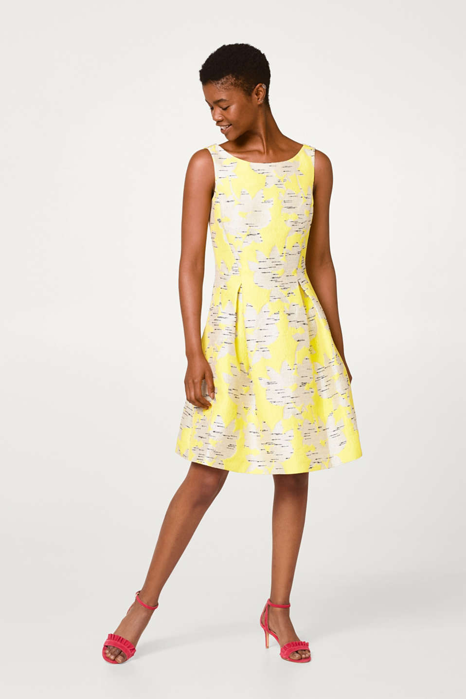 Flared dress with a jacquard pattern