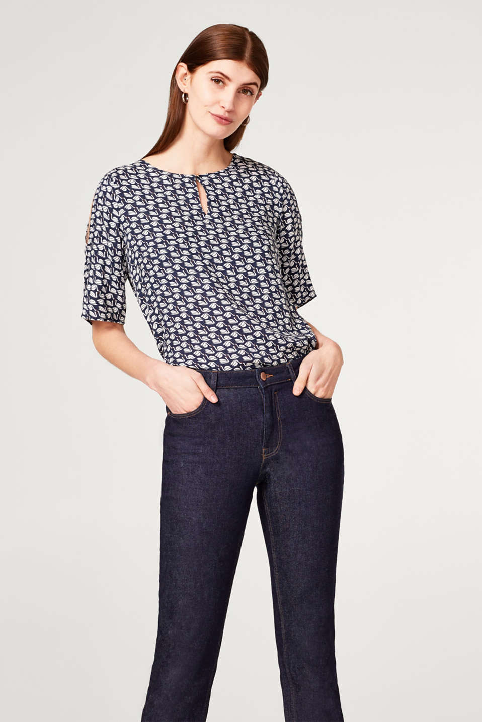 Esprit - Lightweight printed blouse with slit sleeves