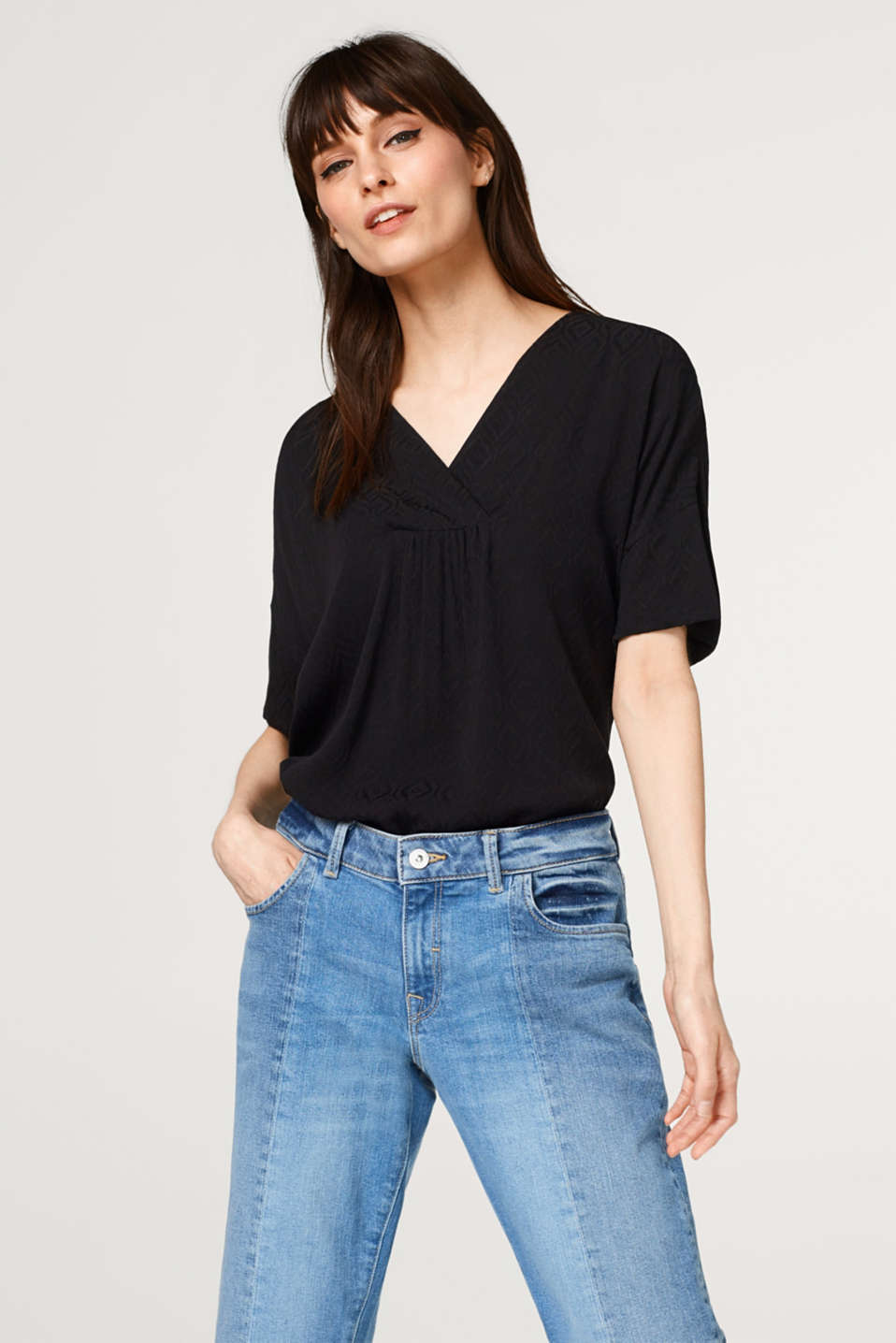 Esprit - Lightweight jacquard blouse with a V-neckline