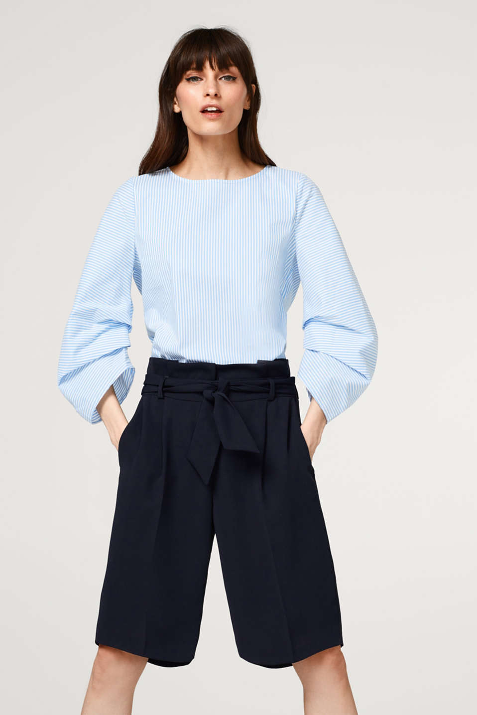 Esprit - Stretchy blouse with pleated sleeves