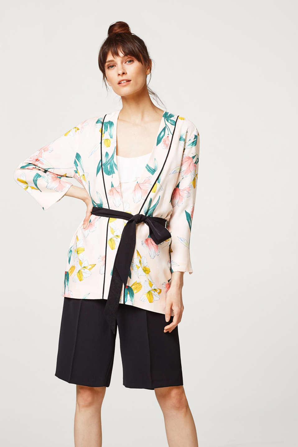 Esprit - Lightweight kimono jacket with floral print
