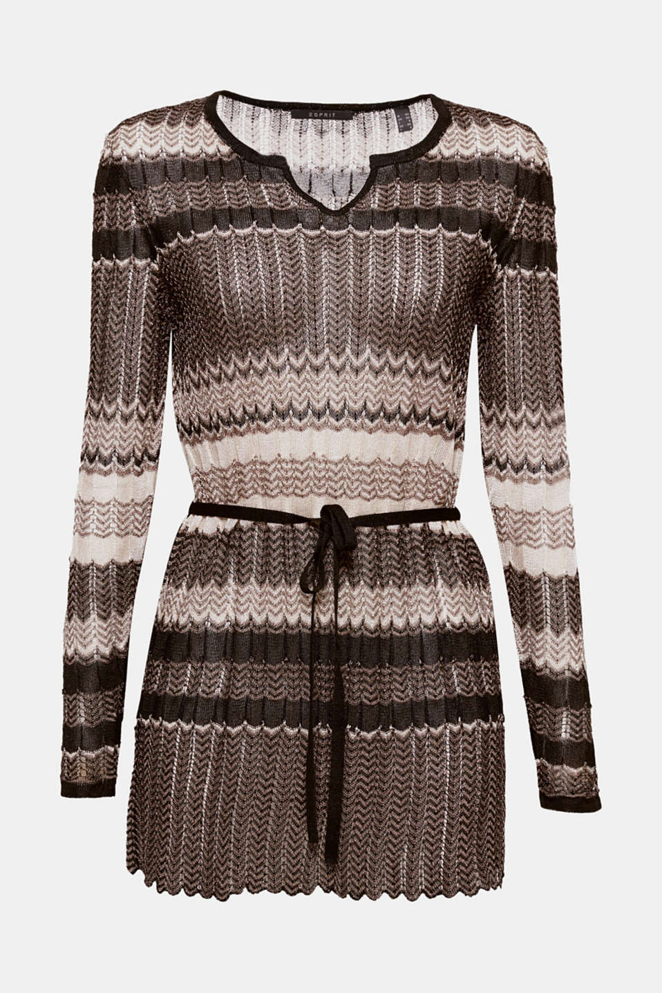 A new spin on the fine knit look! This tunic is a real head-turner with its zigzag pattern, small v-neckline and belt.