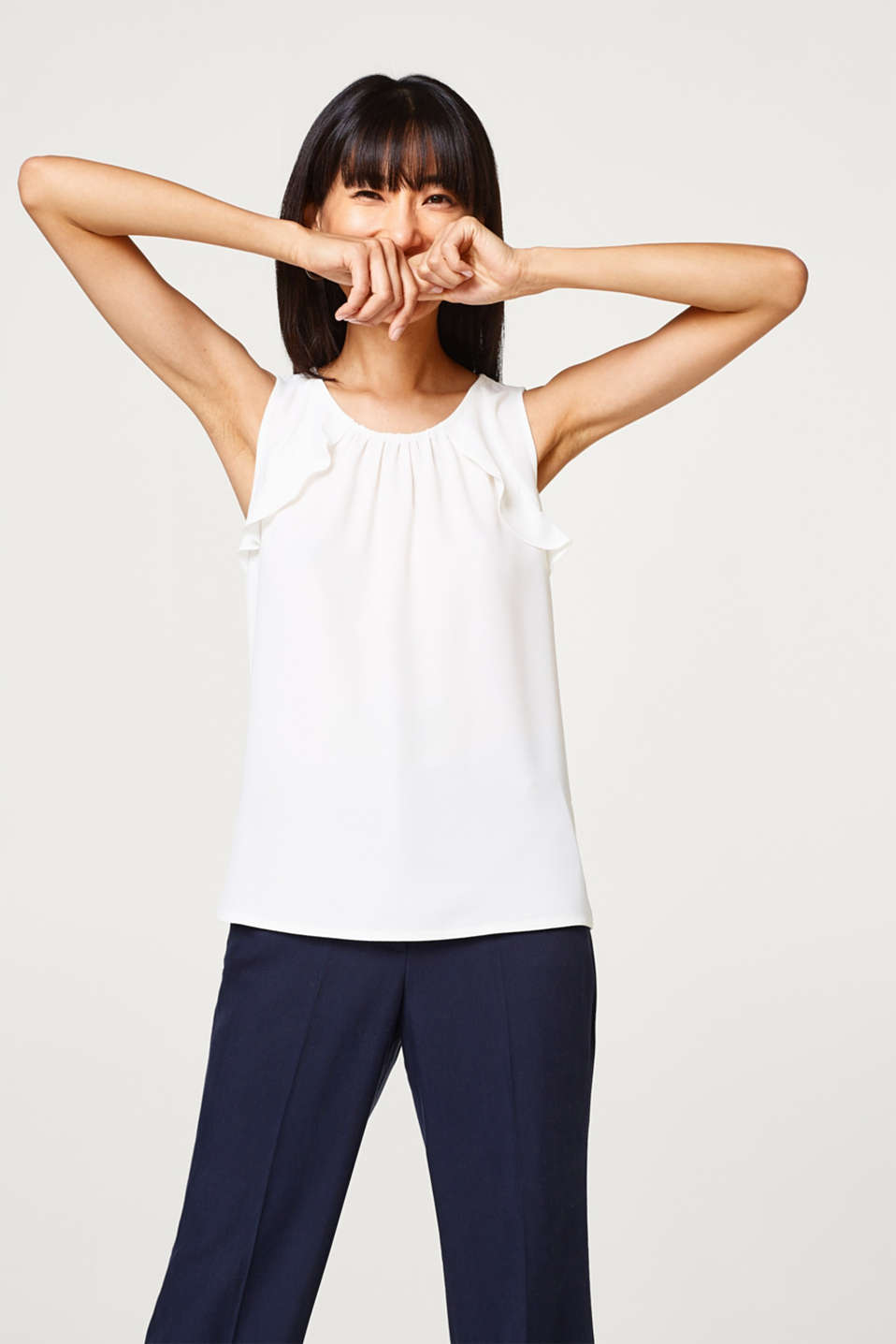 Esprit - Top in blended fabric with frill details
