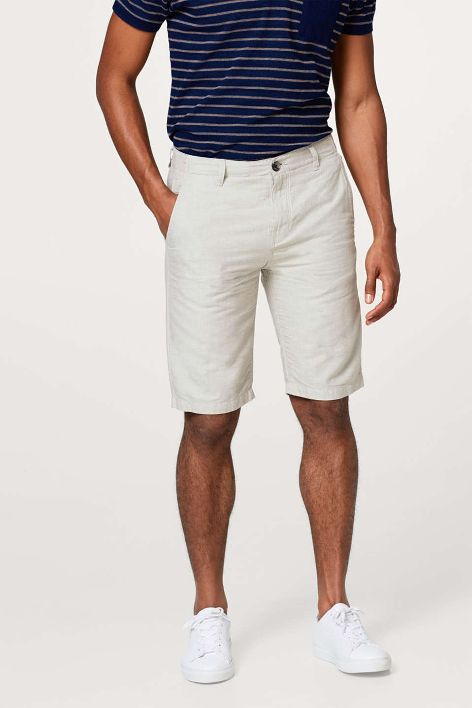 Esprit - Linen blend: shorts with a fine check pattern