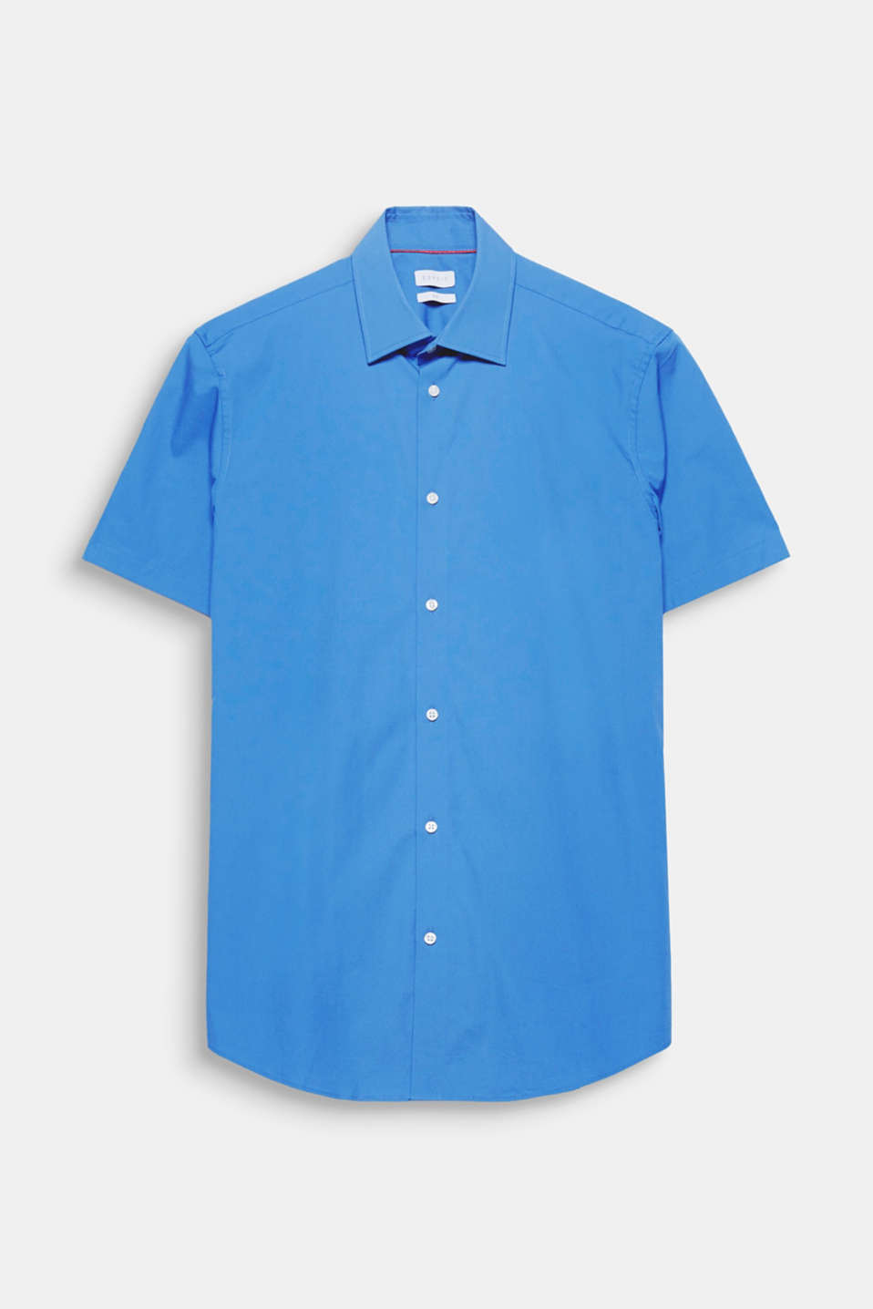 Suit up! Be perfectly dressed even in hot temperatures in this short sleeve shirt made of easy-iron cotton fabric