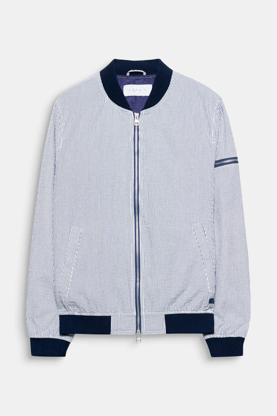 The airy seersucker fabric composed of blended cotton makes this bomber jacket perfectly suited for warm temperatures.