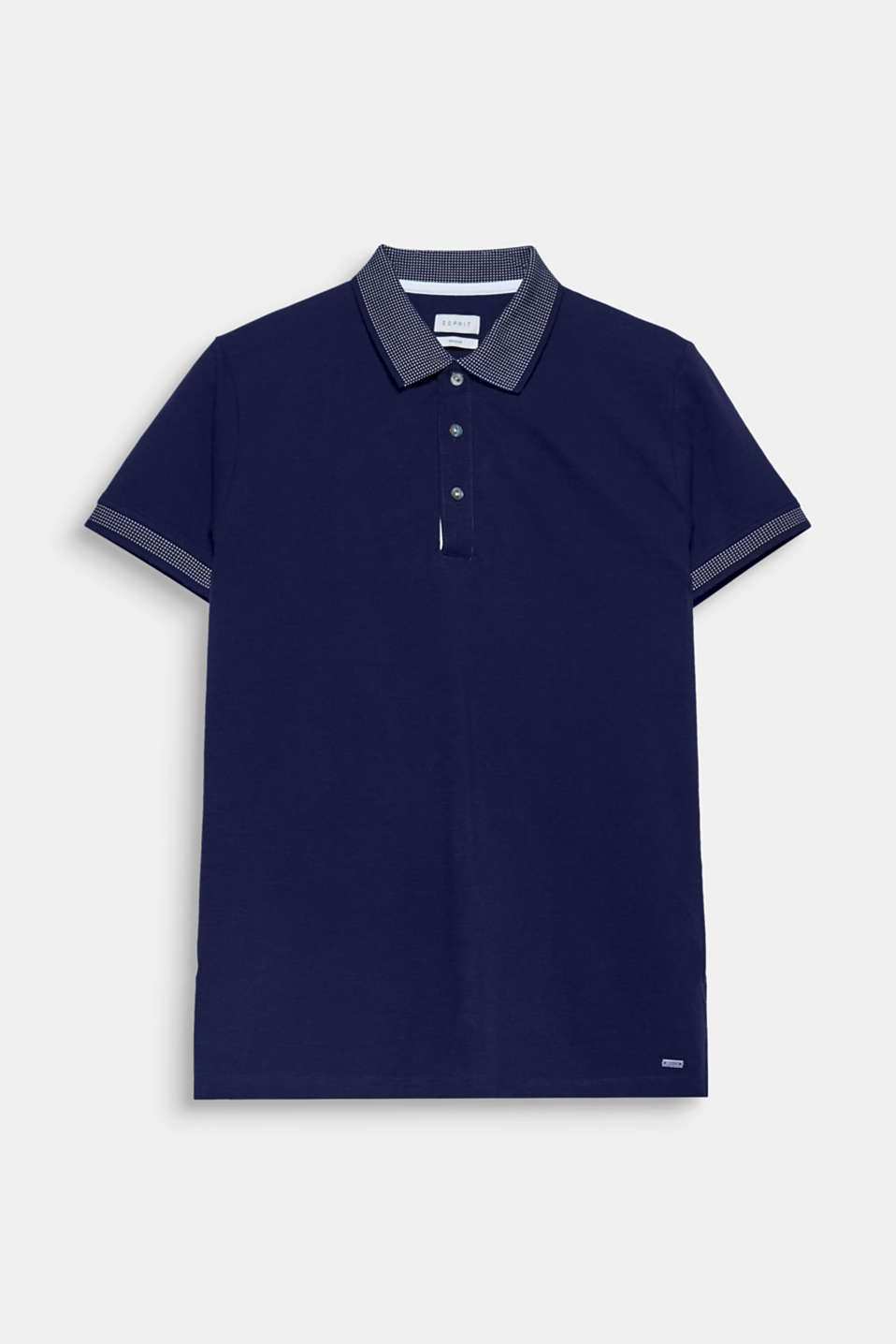 A timeless classic with a modern twist: polo shirt in classic piqué fabric with an accentuated ribbed collar.