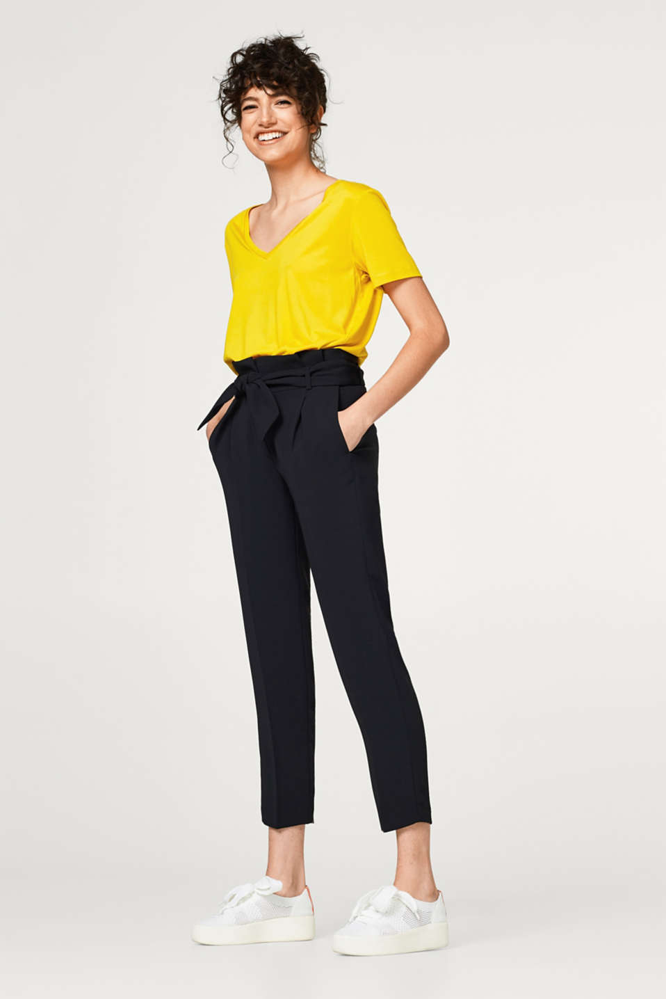 Flowing trousers with a high paperbag waistband