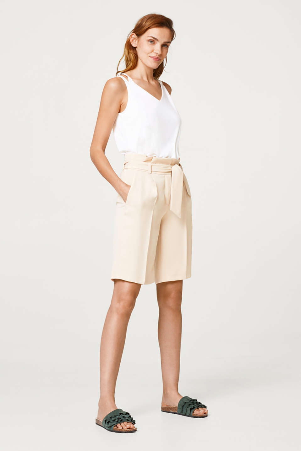Paperbag shorts with waist pleats
