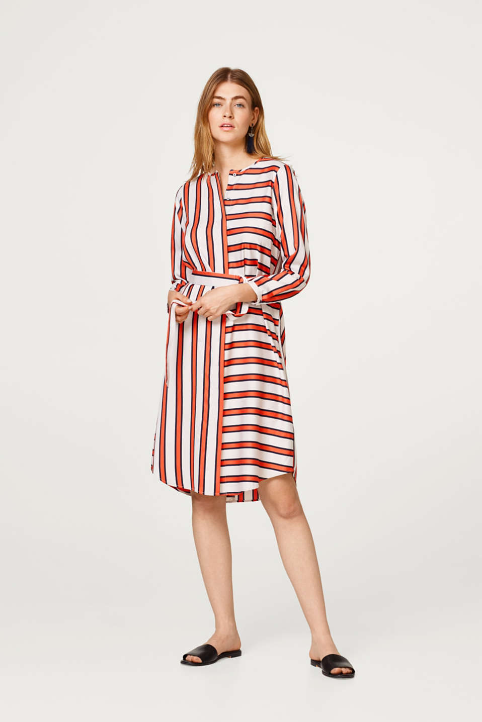Esprit - Soft midi length dress in a new striped look