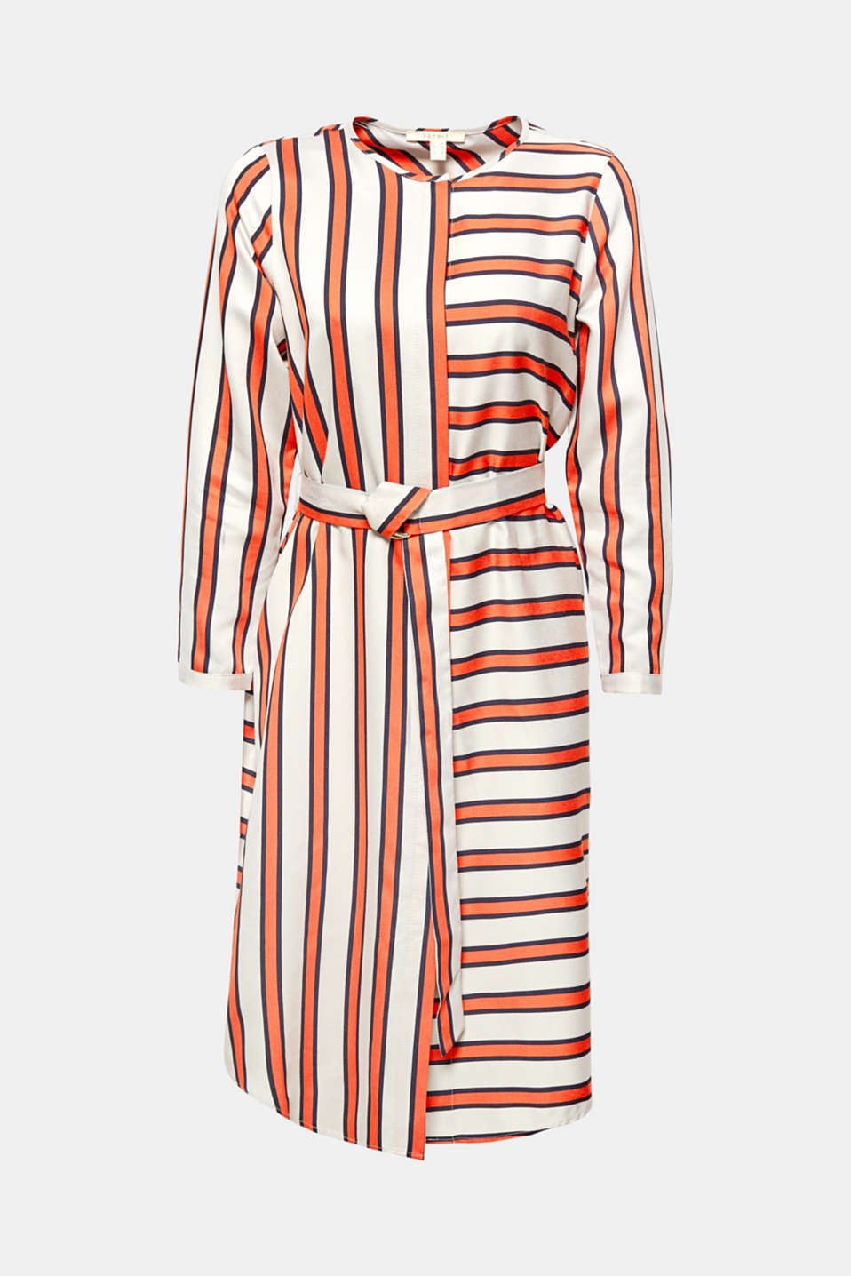 This knee-length dress boasts a new fashion look and stands out with its graphic sophistication, with stripes running in different directions.