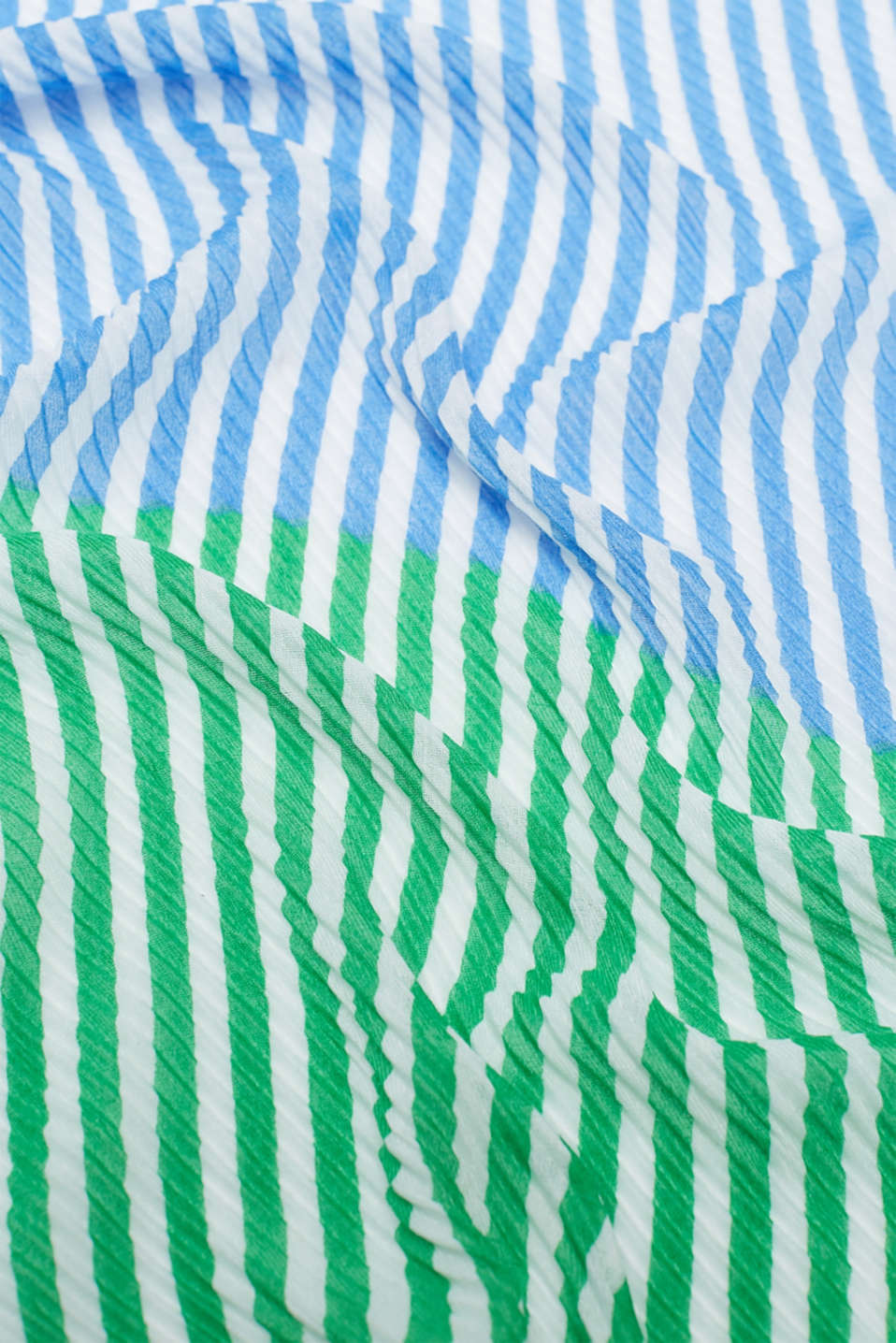 Pleated scarf with thin stripes, BLUE, detail image number 2