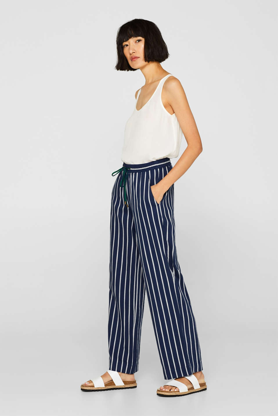 edc - Trousers with a wide leg and stripes