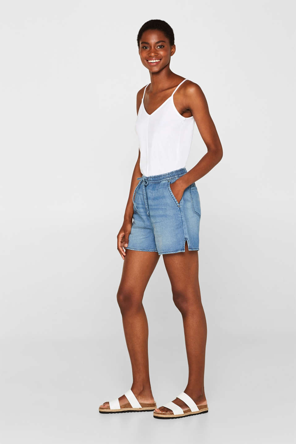 edc - Denim shorts in a lyocell cotton blend