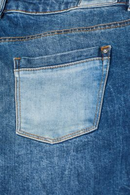 Stretch shorts in two different denims