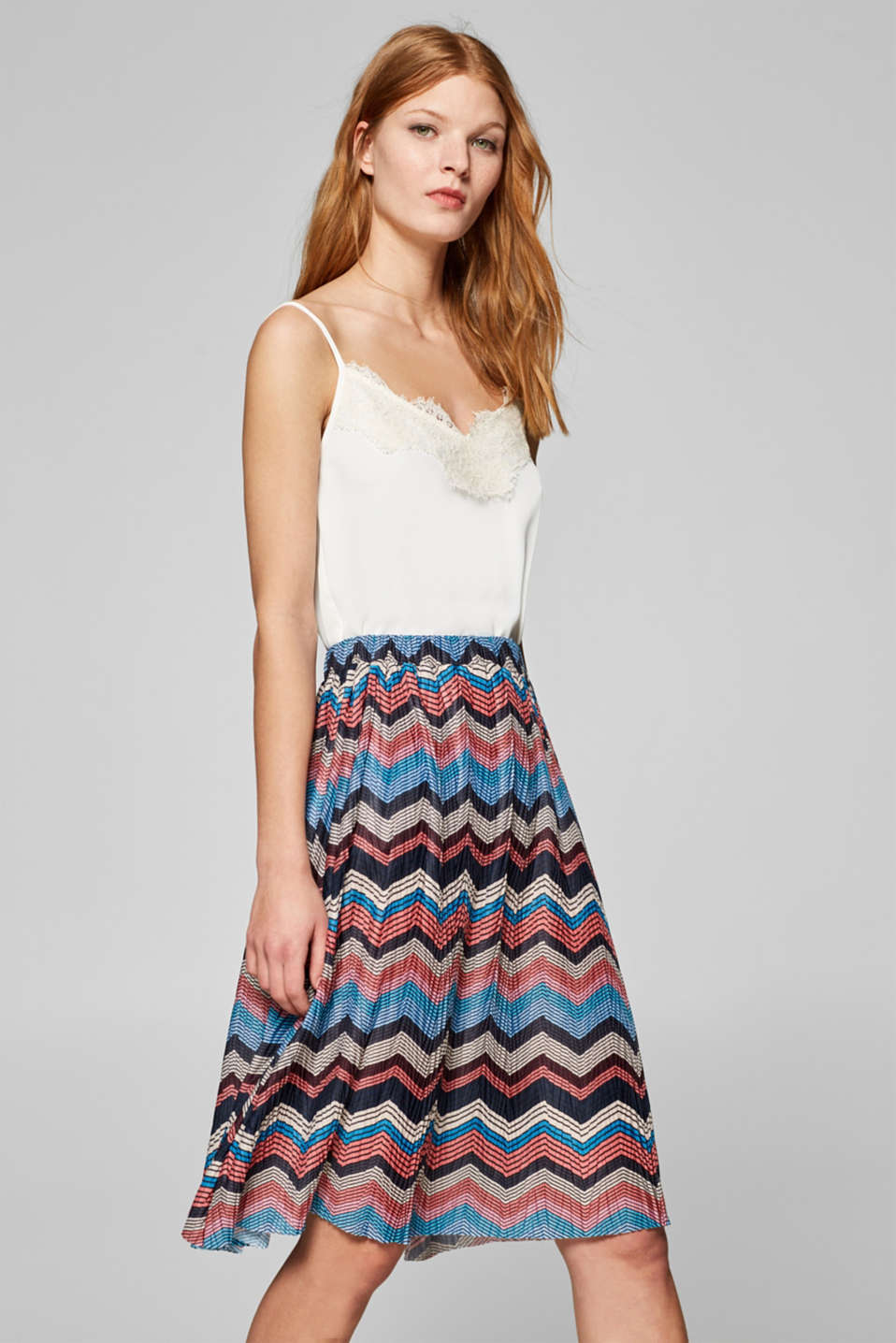 edc - Pleated jersey skirt with a zigzag print