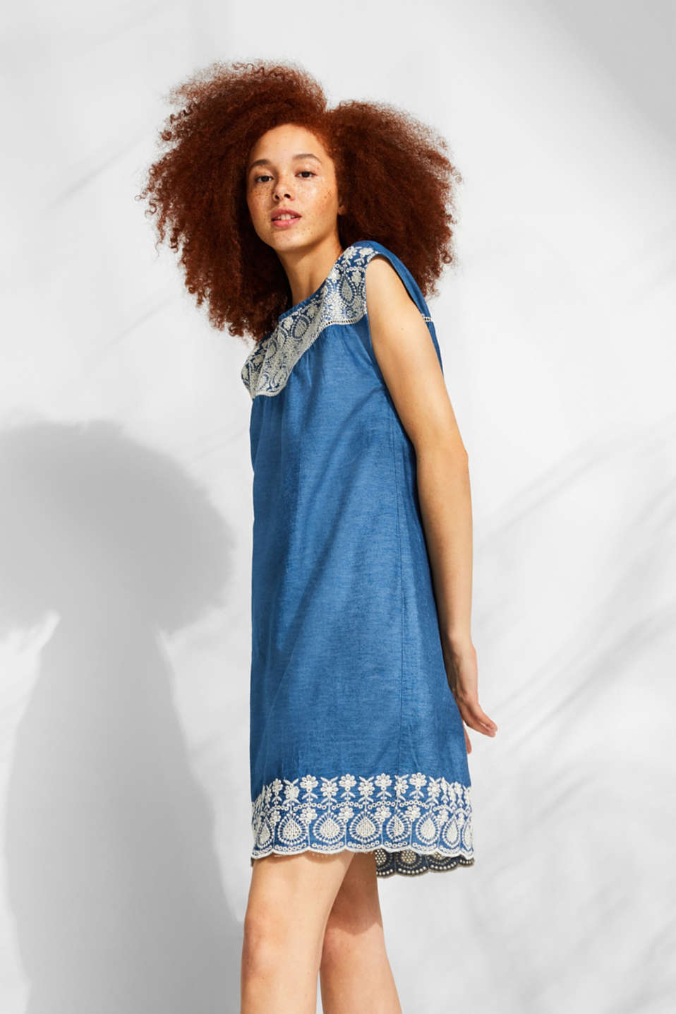 edc - Tunic dress made of denim fabric with embroidery