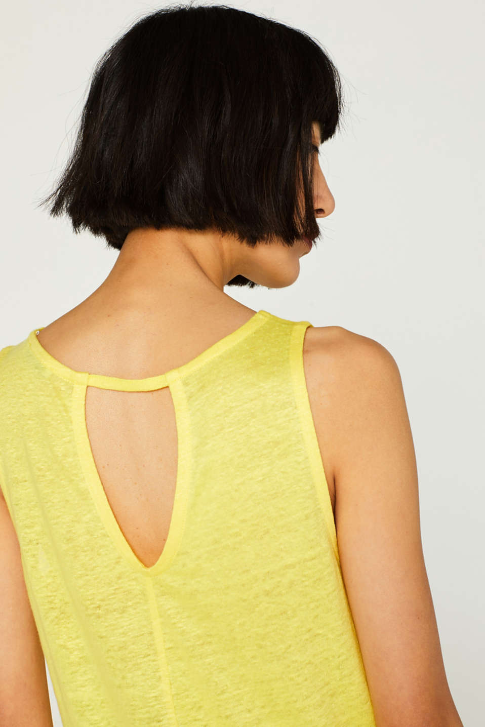 Vest with a cut out, made of 100% linen, BRIGHT YELLOW, detail image number 2