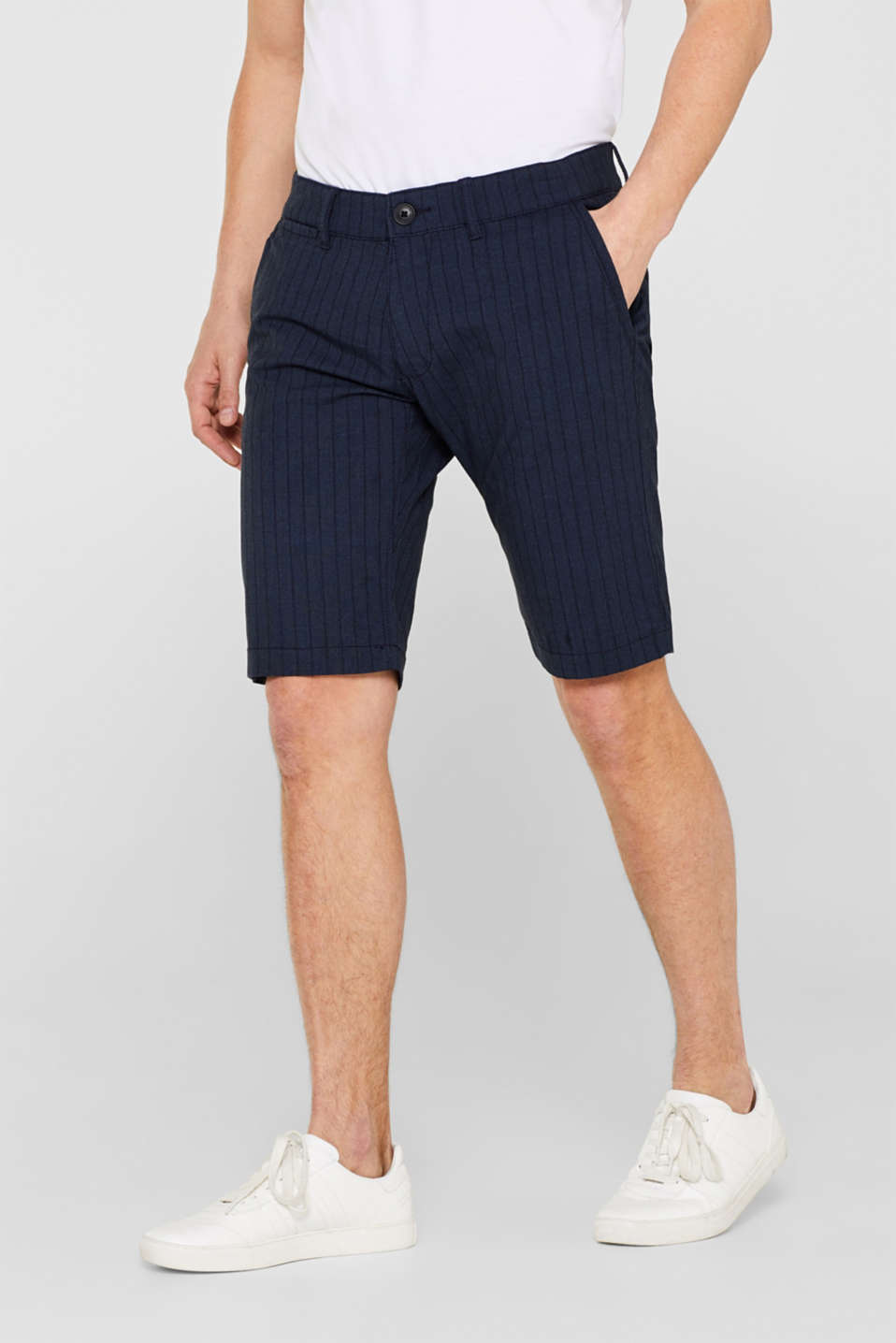 edc - Stretch shorts with pinstripes