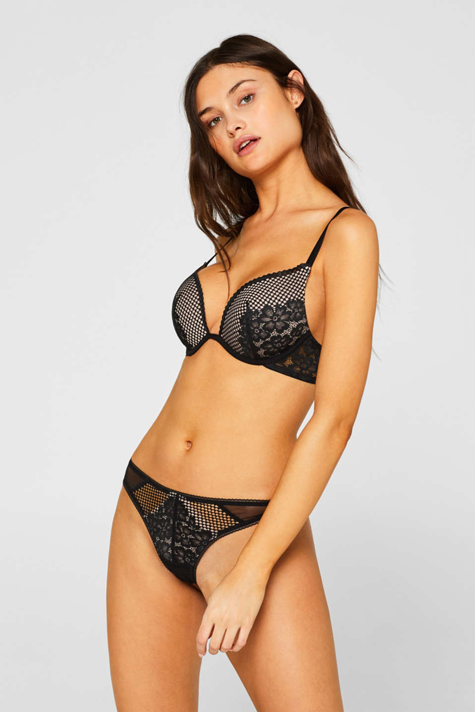 edc - Heavily padded push-up bra made of lace and mesh