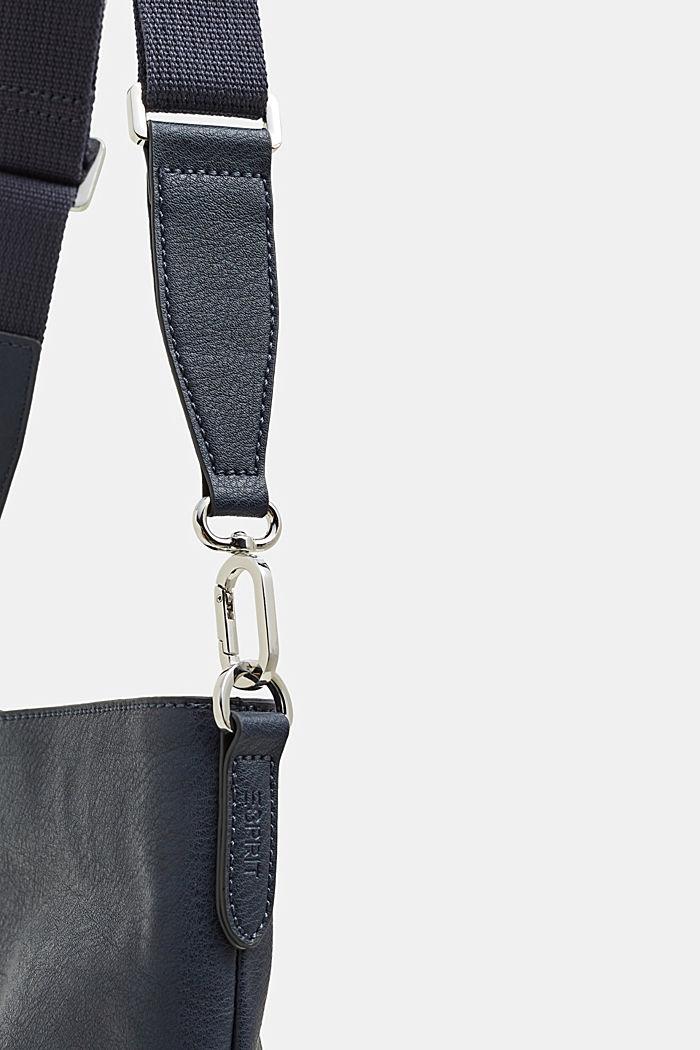 Schultertasche in Leder-Optik, NAVY, detail image number 3