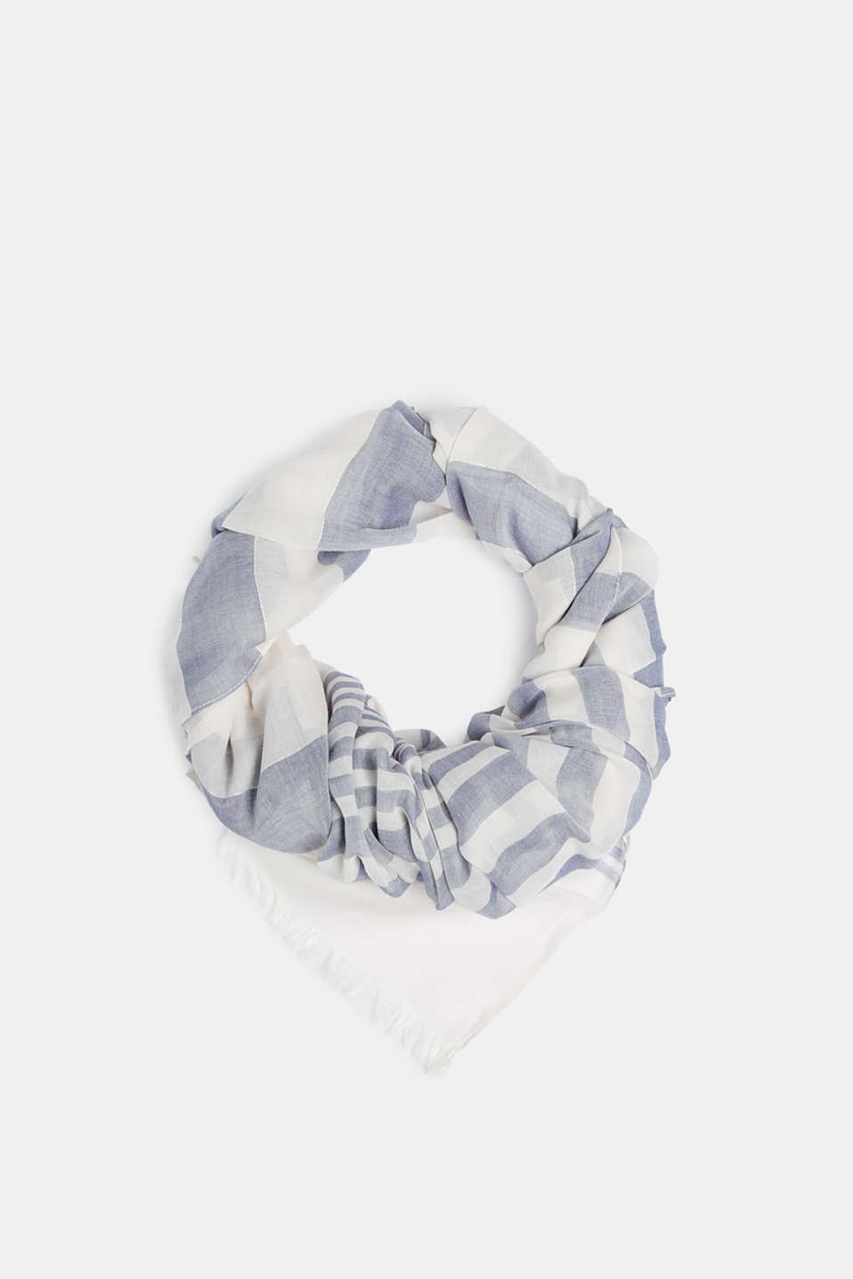 Esprit - Delicate scarf with fine metallic stripes