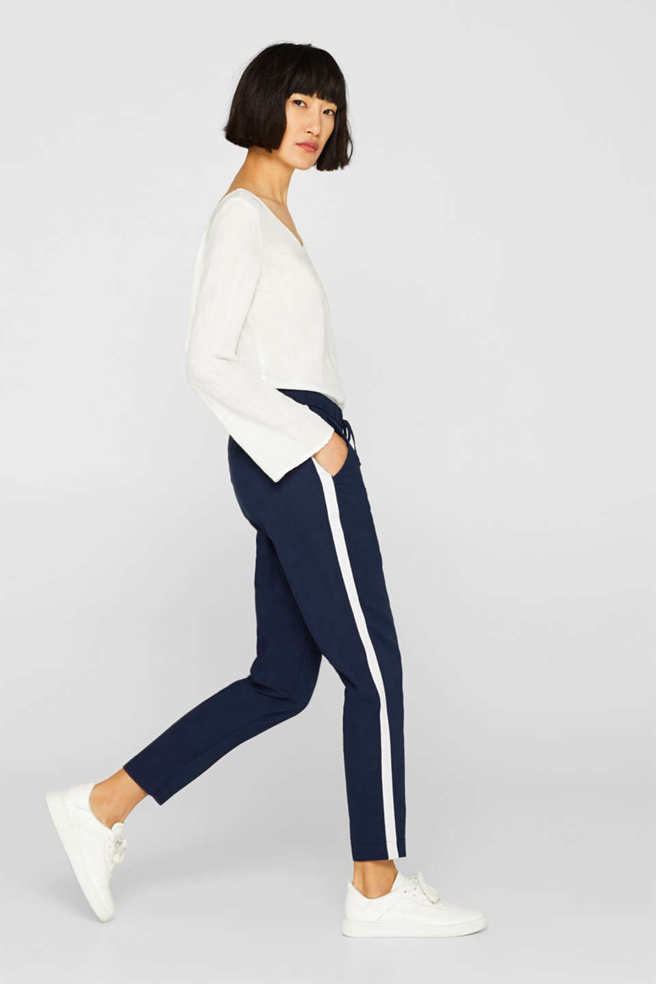 Esprit - Made of blended linen: Tracksuit bottoms with racing stripes