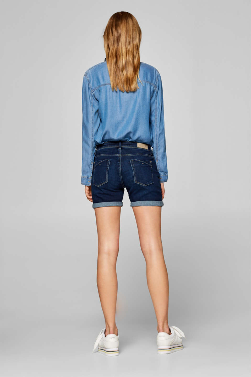 Stretch denim shorts containing organic cotton, BLUE DARK WASH, detail image number 3